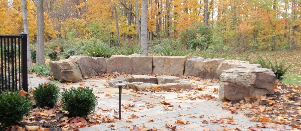 Landscape Seating with Indian Creek Boulders | Green Stone ...