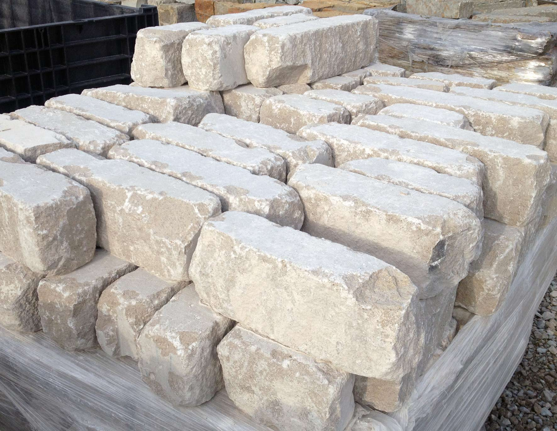 Natural stone edging green stone company natural stone for Landscaping rocks indianapolis